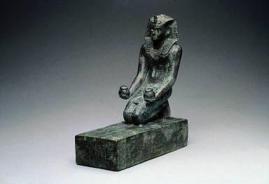Kneeling statuette of Necho II