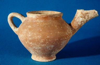 Side-beaked jar