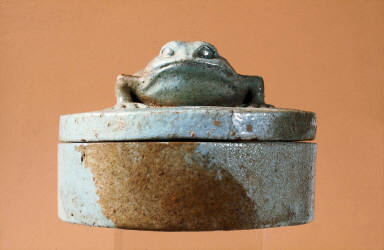 Cosmetic box with frog