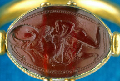 Scarab intaglio with Herakles and Nemean Lion