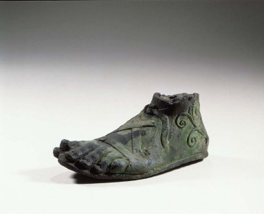 Left foot and right hand from a statue of Dionysos