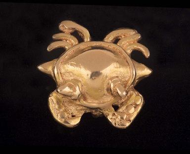 Crab amulet