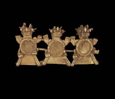 Three saurians effigy pendant