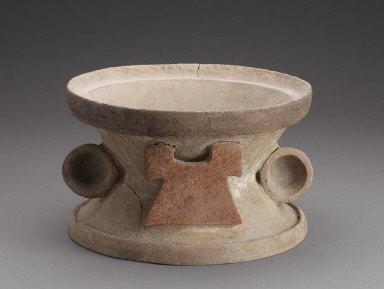 Base for incense burner (1988.1213a)