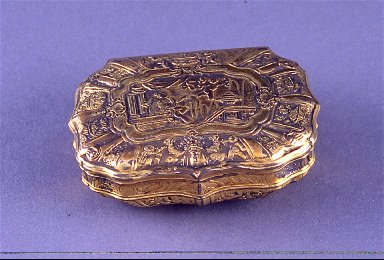 Snuff box with cherubs