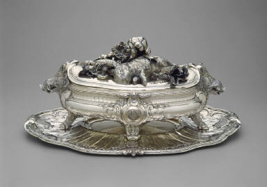 Tureen with Lid and Stand