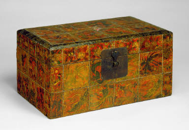 Box with Design of Auspicious Symbols