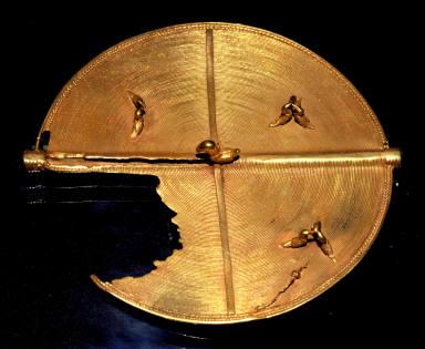 Pectoral disc, Akrafokonmu