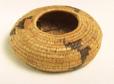 Miniature gift basket with black zig zag design