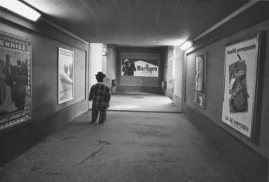 Circus Midget in Subway-Circus Knie