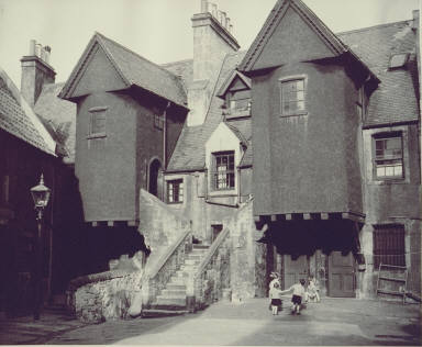 A Court where the Children are at Play, Whitehorse Close, 1950