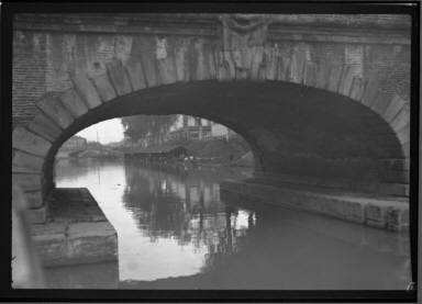 Canal Arch Toulouse