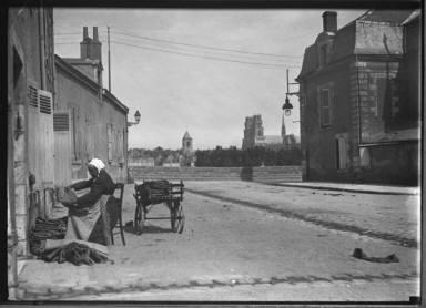 Old Woman, Socks, Tourelles