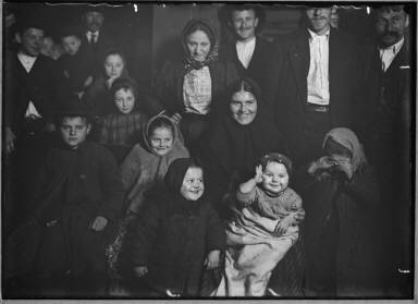 Immigrants/ Happy Hungarian Mother/ Joys And Sorrows Of Ellis Is. 1905