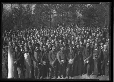 A Group Of Several Hundred Workers At Norris Dam Construction