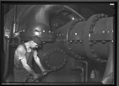 Penn RR/Powerhouse Mechanics at work