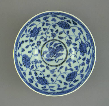 Bowl (Wan) with Lotus Petals (Lianzi) and Floral Scrolls