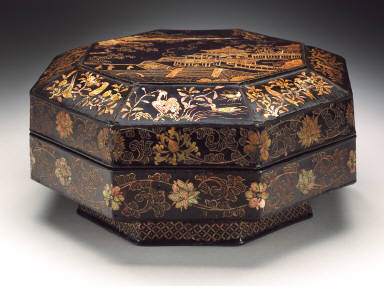 Octagonal Food Box (Bajiao He) with Figures in a Pavilion and Floral Scrolls
