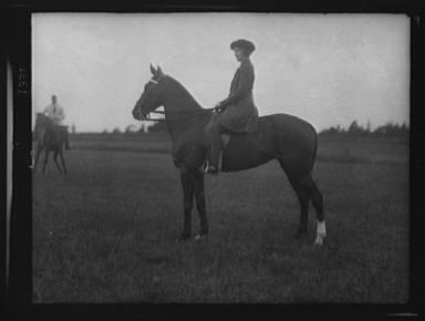 Crosbie, Violet, Miss, on horseback at Long Beach, New York