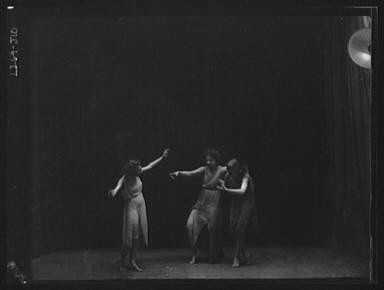 Elsie Dufour dancers