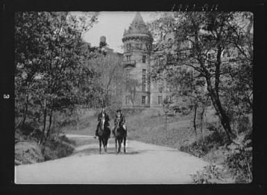 Ederheimer, Mr., and Arnold Genthe, on horses
