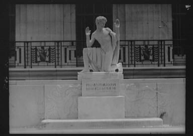 Puck statue at the Folger Library by Brenda Putnam