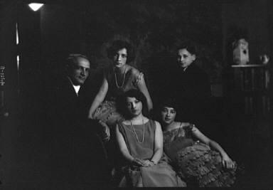 London Horace group, portrait photograph