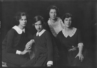 O'Brien group, portrait photograph