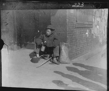 The paper gatherer, Chinatown, San Francisco