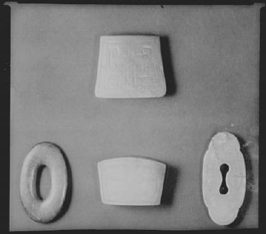 Art objects that belonged to Arnold Genthe