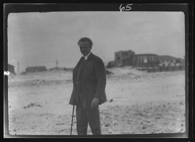 Arnold Genthe in Long Beach, New York