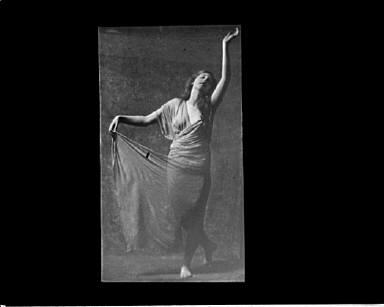 Llewllwyn Delarer dancing