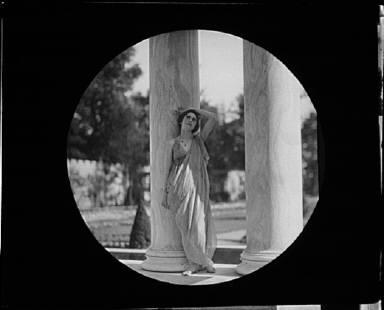 Maria Theresa Duncan dancing