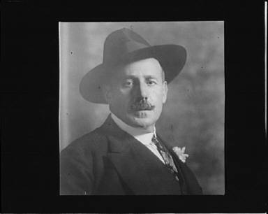 Portrait photograph of Ignacio Zuloaga