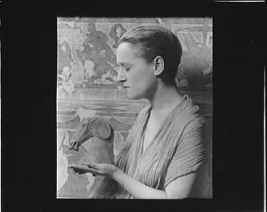 Portrait photograph of Juliette Brossard