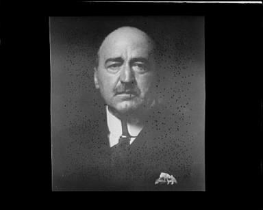 Portrait photograph of an unidentified man
