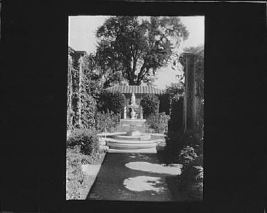 Donatello fountain in garden at Kijkuit, John D. Rockefeller's estate, designed by William Welles Bosworth