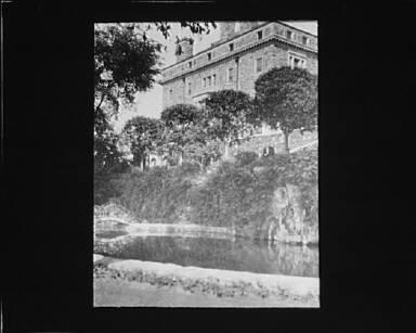 Garden and house at Kijkuit, John D. Rockefeller's estate, designed by William Welles Bosworth