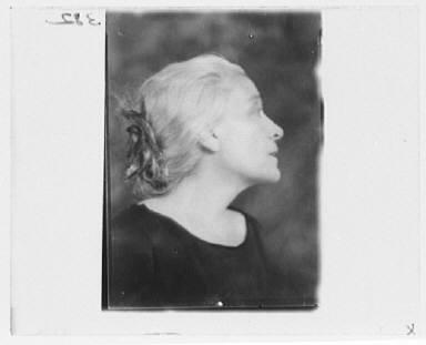 Portrait photograph of Eleonora Duse