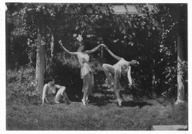 Helen Moeller and pupils