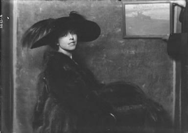 Sinclair, Mrs., portrait photograph