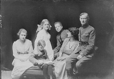 Davies, W.W., Mr. and Mrs., and family, portrait photograph