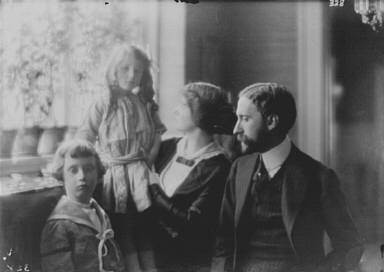 Hellman, George S., Mr., and family, portrait photograph