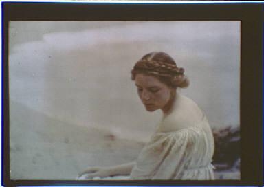 Helen MacGowan Cooke at the beach
