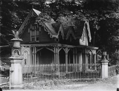 Gothic Gate Cottage Near Poughkeepsie, New York