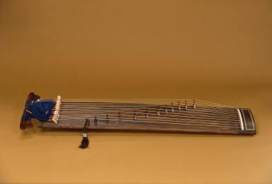 Chongak Kayagum (Plucked Zither)