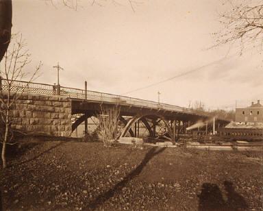 Laurier Bridge