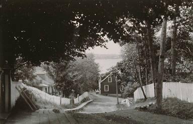 Road near the Gourdeau House, Sainte- Petronille