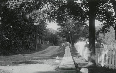 Road near the Dunn House, Ste. Petronille