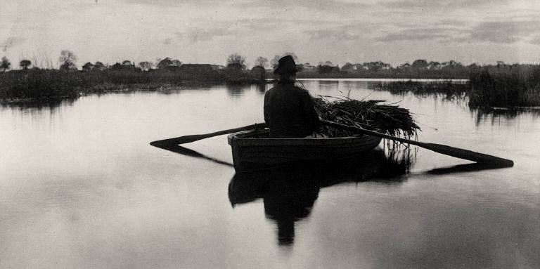 [Rowing Home the Schoof-Stuff, Life and Landscape on the Norfolk Broads]